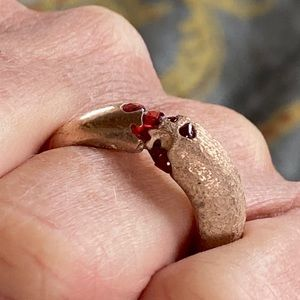 Cuttlefish Cast and Sapphire Ring